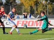 Lars Hunn mit vollem Einsatz im Testspiel mit Aarau gegen seinen neuen Arbeitgeber GC (Bild: KEYSTONE/CHRISTIAN MERZ)
