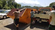 """1.5 Tonnen Abfall aus dem Wasser geholt: """"Bachputzete"""" des Fischereivereins Werdenberg. (Bild:PD)"""