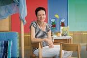 Die grossen Aufräumarbeiten im Kindergartenzimmer hat Yvonne Giger hinter sich gebracht. (Bild: Ralph Ribi)