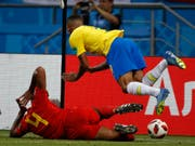 Die Szene die zu reden gibt: Vincent Kompany fährt Brasiliens Gabriel Jesus in die Beine (Bild: KEYSTONE/AP/FRANCISCO SECO)