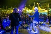 Eine gut besuchter Freitagabend mit Chris Jagger (rechts).