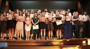44 Schülerinnen und Schüler feierten gemeinsam das Ende der obligatorischen Schulzeit. (Bild: Benjamin Schmid)