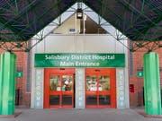In diesem Spital in Salisbury ist die 44-jährige Frau aus dem nahe gelegenen Amesbury mit Nowitschokvergiftungen behandelt worden. (Bild: KEYSTONE/EPA/RICK FINDLER)