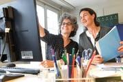 Stellenleiterin Antonella Bizzini und Annina Villiger, Präsidentin der Frauenzentrale Thurgau. (Bild: Donato Caspari, 19. September 2016)