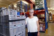 Yolanda Fässler, Leiterin der Abgabestelle in Baar. (Bild: Werner Schelbert (5. Juli 2018))
