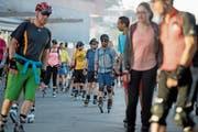 Der Auftakt zum ersten «Monday Night Skate» am 25. Juni 2018 beim KKL Luzern. (Bild: Corinne Glanzmann)
