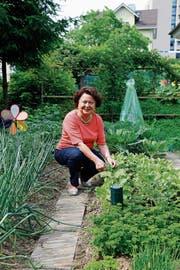 Jana Brändli verbringt ihre Freizeit gerne im Garten zu Hause in Goldach. (Bild: Rossella Blattmann)
