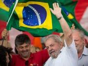 Der frühere Präsident Brasiliens Luiz Inácio Lula da Silva sitzt seit April wegen Korruption im Gefängnis. (Bild: KEYSTONE/AP/FELIPE DANA)