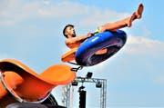 Nur fliegen ist schöner: Gebläse-getrieben in die Luft katapultiert. (Bild: Max Eichenberger)
