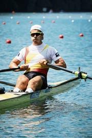 Roman Röösli ist im Einer auf dem Rotsee eine Klasse für sich. Sein Vorsprung im Ziel beträgt satte 6,56 Sekunden auf Nico Stahlberg. (Bild: Jakob Ineichen (Luzern, 8. Juli 2018)