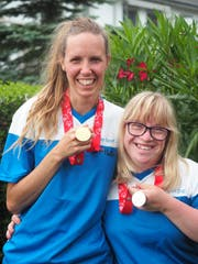 Anja van Helden (links) und Nicole Wicki. (Bild: pd)