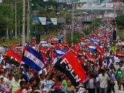 Seit Mitte April kommt es in Nicaragua zu Protesten gegen Präsident Daniel Ortega. Grund sind unter anderem Rentenkürzungen. (Bild: KEYSTONE/AP/ALFREDO ZUNIGA)