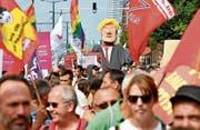 Aktivisten demonstrierten in Brüssel gegen US-Präsident Donald Trump. (Bild: Geert Vanden Wijngaert/AP (Brüssel, 7. Juli 2018))