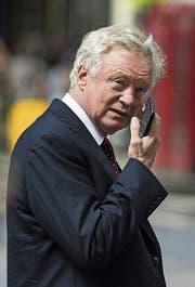 Der zurückgetretene Brexit-Minister David Davis in London. Bild: John Philips/Getty