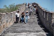 Auch für den Trip ins Reich der Mitte und zur Chinesischen Mauer braucht es ein Visum. (Bild: Donat Sorotkin/Getty; Peking, 25. April 2018)