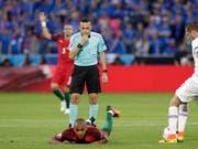 Cüneyt Cakir steht im zweiten Halbfinal im Einsatz (Bild: KEYSTONE/AP/PAVEL GOLOVKIN)