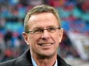 Ralf Rangnick ist wieder interimsmässig Trainer in Leipzig (Bild: KEYSTONE/AP/JENS MEYER)
