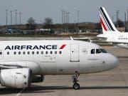 Die Turbulenzen rund um die Fluggesellschaft Air France-KLM haben tiefe Spuren im Quartalsabschluss hinterlassen. (Bild: KEYSTONE/AP/CHRISTOPHE ENA)