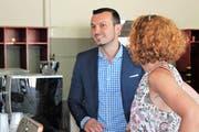 Arber Bullakaj, Politiker und Unternehmer mit albanischen Wurzeln, referierte in Flawil zum Bundesfeiertag. (Bilder: Andrea Häusler)