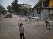 Die humanitäre Lage im syrischen Afrin ist kritisch. Amnesty International nimmt vor allem die Türkei in die Pflicht, rasch zu handeln. (Bild: KEYSTONE/AP/LEFTERIS PITARAKIS)