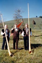 Mitglieder bei der Fahnenweihe am 4.Oktober 1959. (Bild: PD)