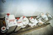 Gut gesichert und verschlossen lagern unter anderem Isopropyl- oder Ethylalkohol im temperierten Feuerkeller.