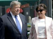 Sind nun US-Bürger: die Eltern von Präsidentengattin Melania Trump, Viktor und Amalija Knavs. (Bild: KEYSTONE/AP/SETH WENIG)