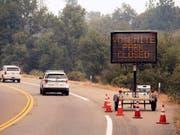 Der Yosemite-Nationalpark in Kalifornien wird nach der Sperrung aufgrund eines Waldbrandes in den kommenden Tagen teilweise wieder eröffnet. (Bild: KEYSTONE/FR34727 AP/NOAH BERGER)