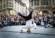 Letztes Jahr traten Breakdancer auf dem Bärenplatz gegeneinander an. (Bild:Ralph Ribi)