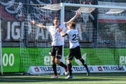 Torschütze Nikki Havenaar bejubelt das 1:0. (Bild_ Gianluca Lombardi)