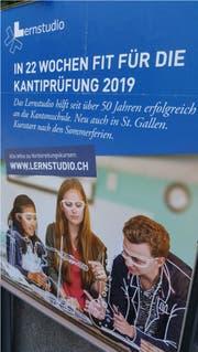 Das Zürcher Lernstudio wirbt in St.Gallen auf Plakaten für seine Angebote. (Bild: PD)