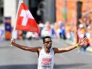 Tadesse Abraham beim Zieleinlauf: Er hat Silber gewonnen und nicht Gold verloren. (Bild: KEYSTONE/WALTER BIERI)