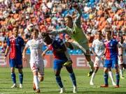Am Ende rettete Torhüter Jonas Omlin dem FC Basel den knappen Sieg (Bild: KEYSTONE/GEORGIOS KEFALAS)