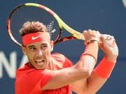 Rafael Nadal zeigt Stefanos Tsitsipas an dessen 20. Geburtstag die Grenzen auf (Bild: KEYSTONE/AP The Canadian Press/NATHAN DENETTE)