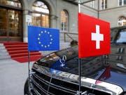 Zahlreiche Politiker fordern in der Sonntagspresse, die Verhandlungen mit der EU über ein Rahmenabkommen erst einmal auf Eis zu legen. (Bild: KEYSTONE/PETER KLAUNZER)