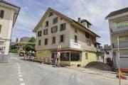 Älter, als es von aussen scheint: Das alte Gerichtsgebäude von Ruswil war hinter der Fassade dieses Hauses versteckt. (Bild: Denkmalpflege Luzern)