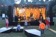 Die Schaumstoffpolster vor der Bühne waren bei den Kindern äusserst beliebt.