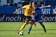 Der FC Luzern läuft seinen Gegner hinterher: Idriz Voca (rechts) gegen YB's Gregory Wüthrich. (Bild: Martin Meienberger/Freshfocus (Luzern, 12. August 2018))