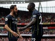 Auf Twitter zu aktiv? Manchester Citys Verteidiger Benjamin Mendy (re.) (Bild: KEYSTONE/AP/TIM IRELAND)