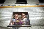 Markus Fischbacher und Ursi Scherrer führen gemeinsam das Restaurant Sonnenberg in Abtwil. (Bild: Ralph Ribi (17. Juli 2014))