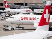Im Juli sind deutlich mehr Passagiere am Flughafen Zürich in Kloten gestartet oder gelandet. (Bild: KEYSTONE/ENNIO LEANZA)
