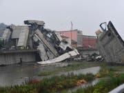 Die Trümmer der Brücke: Über 30 Menschen starben beim Einsturz in Genua. (Bild: KEYSTONE/AP ANSA/LUCA ZENNARO)