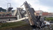 Nach Angaben der italienischen Nachrichtenagentur Ansa stürzte die Brücke in mehr als 40 Metern Höhe auf einem etwa 100 Meter langen Stück ein. (Bild: Keystone)