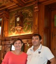 Norma und Richard Gehin-Keel werden nach dem Verkauf ihres Gasthauses für zwei Jahre als Pächter weiterhin für das Wohl ihrer Gäste besorgt sein. (Bild: Thomas Schwizer)