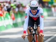 Stefan Küng ist nach seinem Sieg im Einzelzeitfahren neuer Leader der 14. Benelux-Rundfahrt (Bild: KEYSTONE/GIAN EHRENZELLER)