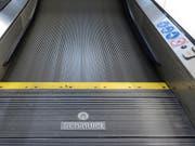 Der Lift- und Rolltreppenhersteller Schindler hat in der ersten Jahreshälfte mehr neue Aufträge in seine Bücher schreiben können sowie auch Umsatz und Gewinn gesteigert. (Bild: KEYSTONE/GAETAN BALLY)
