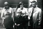 Die Familie Martschini im Februar 1969 nach der Einreise in die Schweiz am Flughafen Zürich, hinten von links: Gita, Mutter Nadia, Vater Ludek. Vorne von links: Peter, Ludek junior. (Bild: Pius Amrein/ZVG (Luzern, 13. August 2018))