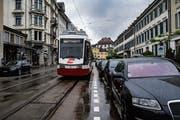 An der Bahnhofstrasse ist es eng – für die Züge der Appenzeller Bahnen oft zu eng. (Bild: Benjamin Manser)
