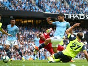 Manchester Citys Sergio Agüero erzielt sein drittes Tor gegen Huddersfield Town (Bild: KEYSTONE/AP/DAVE THOMPSON)