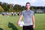 Sandro Foschini will auf dem Eizmoos einen langen Schatten werfen. (Bild: Werner Schelbert (Cham, 2. August 2018))